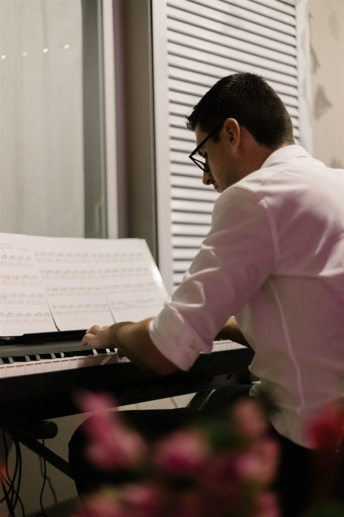 the mairée's brother plays the piano
